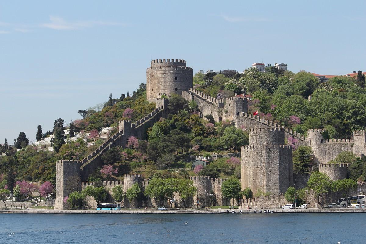 Стамбул 2015 - Длинный тур по Босфору - Виды Румельской крепости