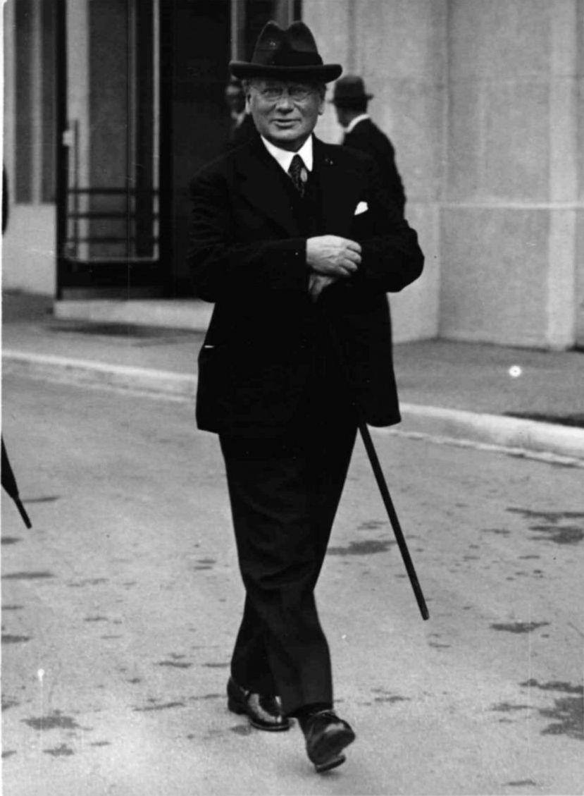 1939. Максим Максимович Литвинов