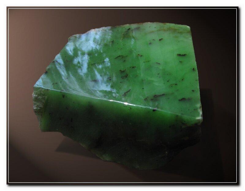 Драгоценные камни нефрит фото