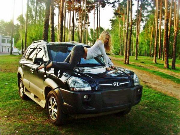 фото девушек возле машин русские машины