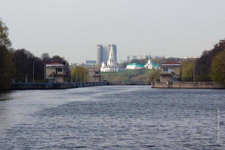 Шлюз №10 канала им.Москвы вид на Коломенское