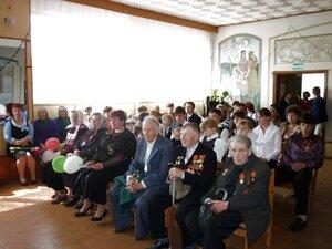 """9 мая 2010 г. В Рябчинском ДК литературно-музыкальная композиция """"Поклонимся великим тем годам!"""""""