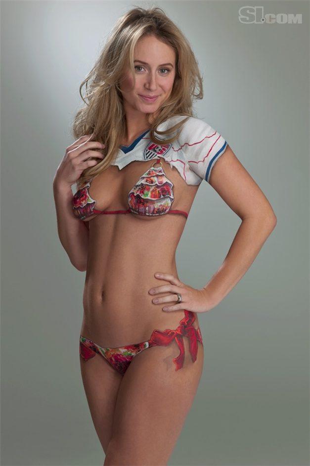 SI soccer girls bodypaint / боди-арт девушки футболистов / Bethany Dempsey