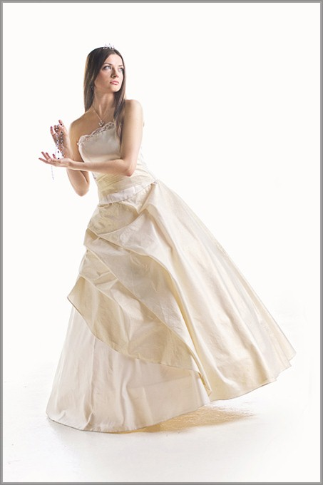 студийная фотосъемка в свадебном платье
