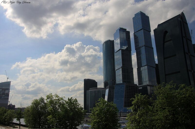 http://img-fotki.yandex.ru/get/4214/night-city-dream.17/0_27a89_e40e1f55_XL.jpg