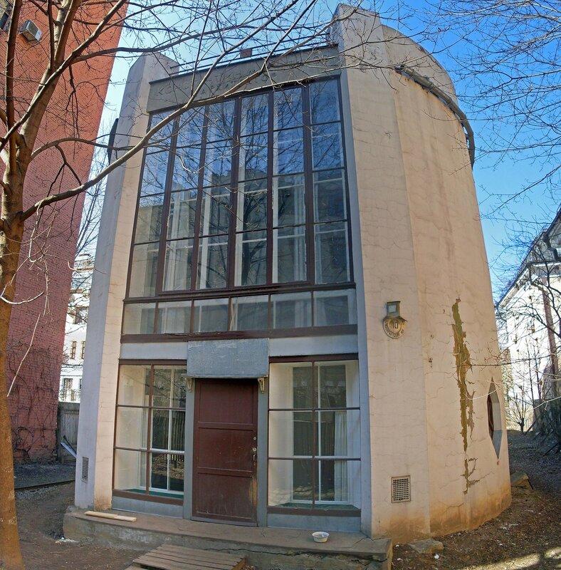 Дом Константина Мельникова.