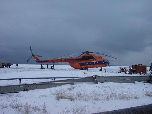 чукотский вертолет в аэропорту Певека