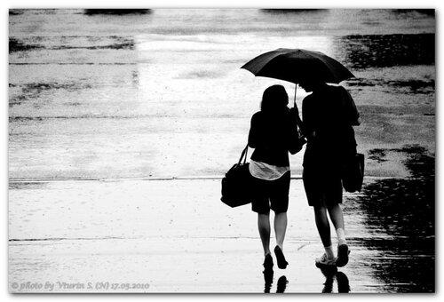 """""""Идут они вместе, один у них зонтик""""©"""