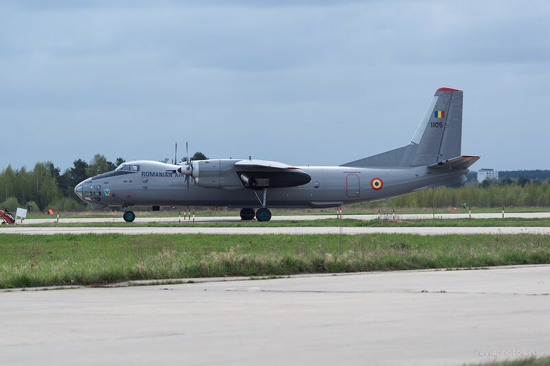 Антонов Ан-30 (1105) Romanian Air Force D802813