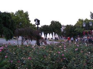 Путешествие и отдых в Одессе - фонтан с цветами