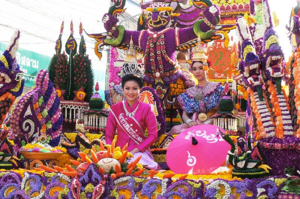 Впервые выходные февраля втайском Чиангмае проходит один изсамых ярких цветочных фестивалей мира.