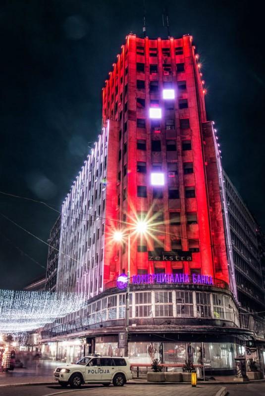 «Дворец Албания» — первое высотное сооружение города, построенное в 1939 году.