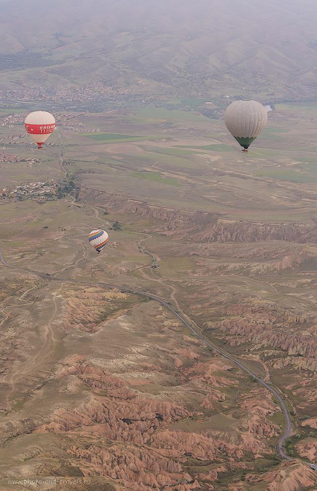Фотография 15. Воздушные шары над долинами Каппадокии. Весь день мы будем ходить пешком по тропам между этими скалами. Отчеты туристов из России об отдыхе в Турции. 1/200, 8.0, 1250, 70.