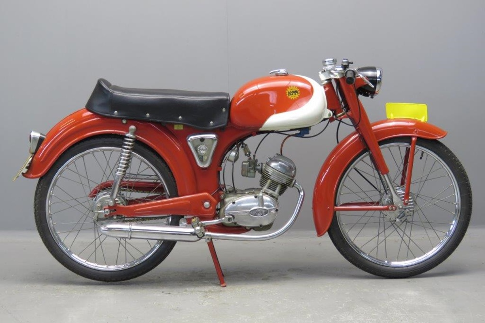 Старинный мотоцикл Demm Unificato Sport 1963
