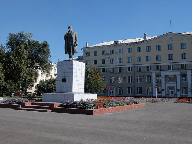 Новокузнецк - Памятник Ленину