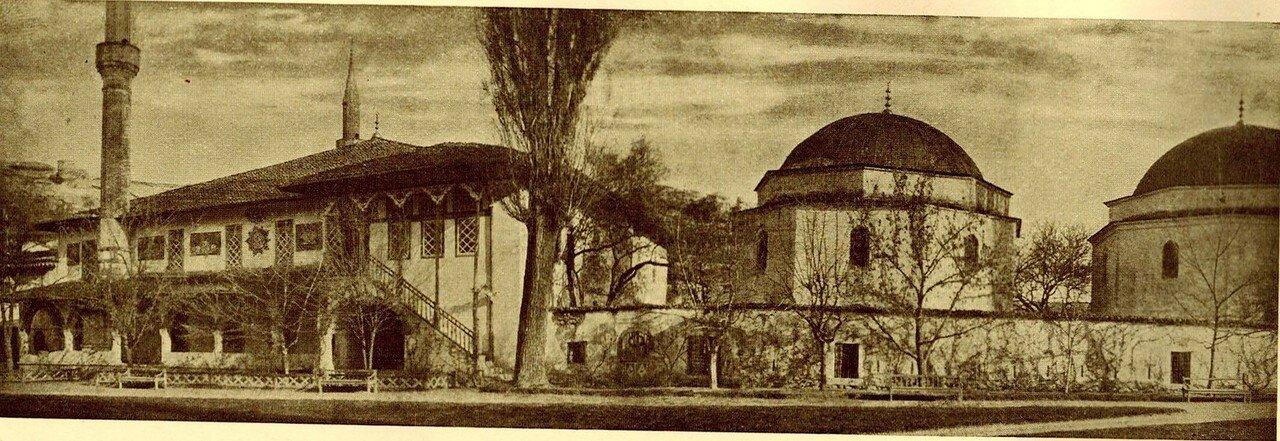 Левое крыло дворца, мечеть Хан-Джами и кладбище