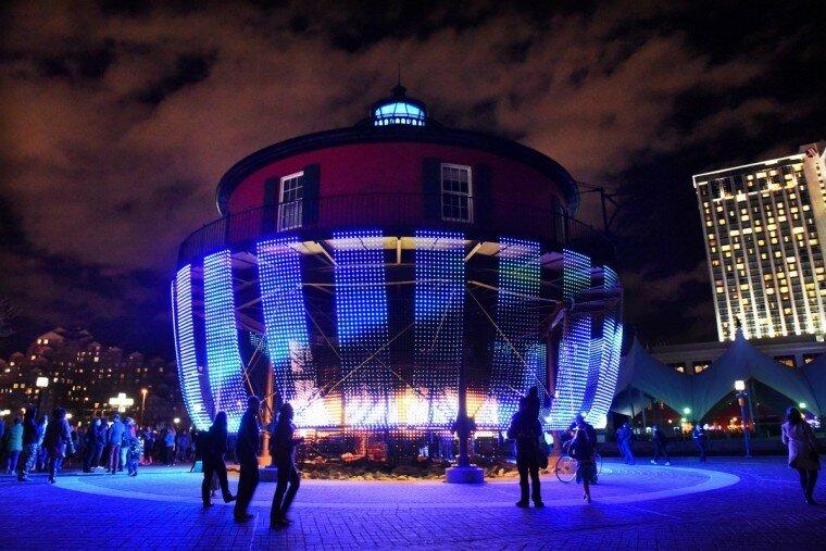 Light City: фотографии красочного фестиваля огней в Балтиморе 0 22c11e 714d0c14 XL