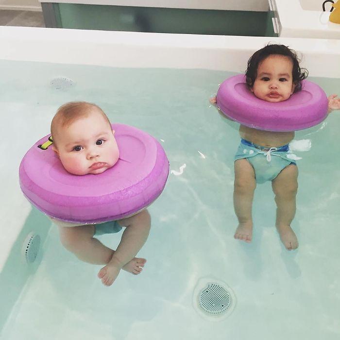 Вода, в которой плавают малыши, очищается озоном: он убивает бактерии, но при этом совершенно безопа