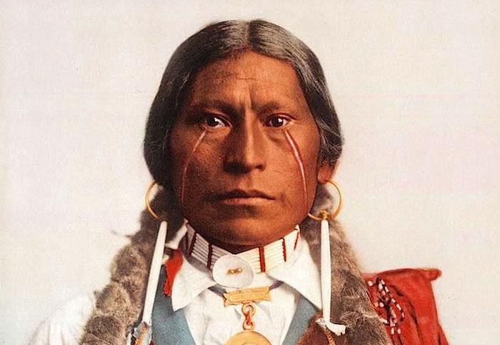 Американец разыскал цветные фото индейцев конца XIX века (20 фото)