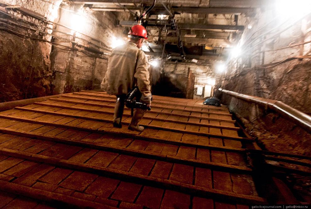 21. В прошлом году Североуральский бокситовый рудник отметил 80-летний юбилей. За годы работы п