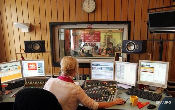 Большие радиостанции выполняют квоту в25% относительно украиноязычных песен
