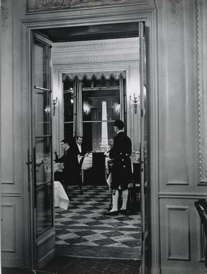 1930. Автомобильный Клуб. «Отель Крийон»