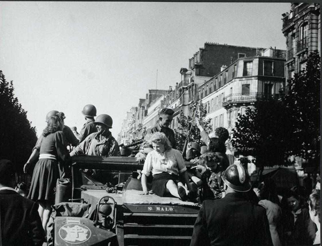 1944. Площадь Денфер-Рошеро