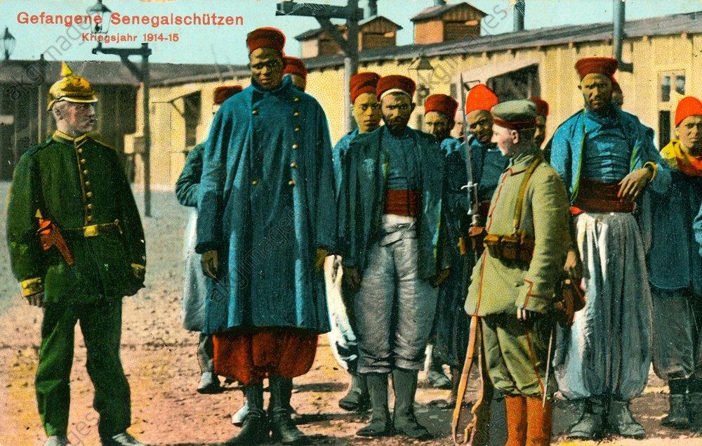 1. Weltkrieg, Kriegsgefangene / Fotopostkarte - - 1re G.M., prisonniers de guerre / carte postale photo