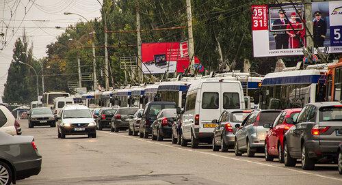 В Кишиневе остро встал вопрос о необходимости урегулирования движение на столичных дорогах.