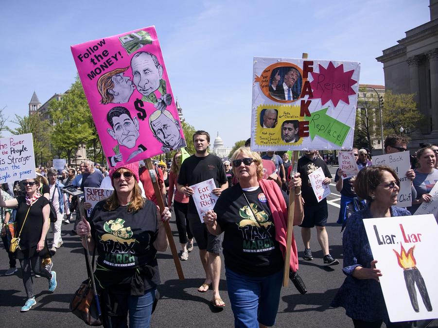 Марш налогов против Трампа, Вашингтон, 15.04.17.png