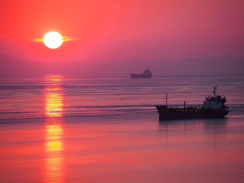 Уссурийский залив