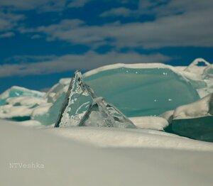 У Байкала свои Пирамиды ледяные