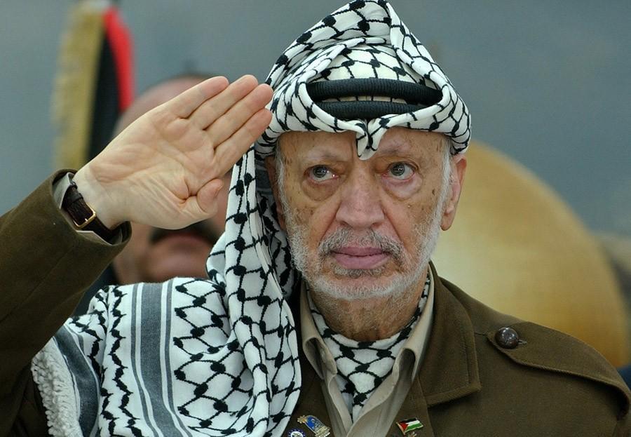 Ясир Арафат — Мухаммед Абдель Рауф Арафат аль-Кудва аль-Хусейни (с таким именем я бы тоже переименов