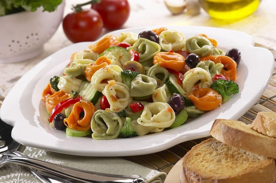 7. Тортеллини (итал. Tortellini) - итальянские пельмени из пресного теста с мясом, сыром или овощами
