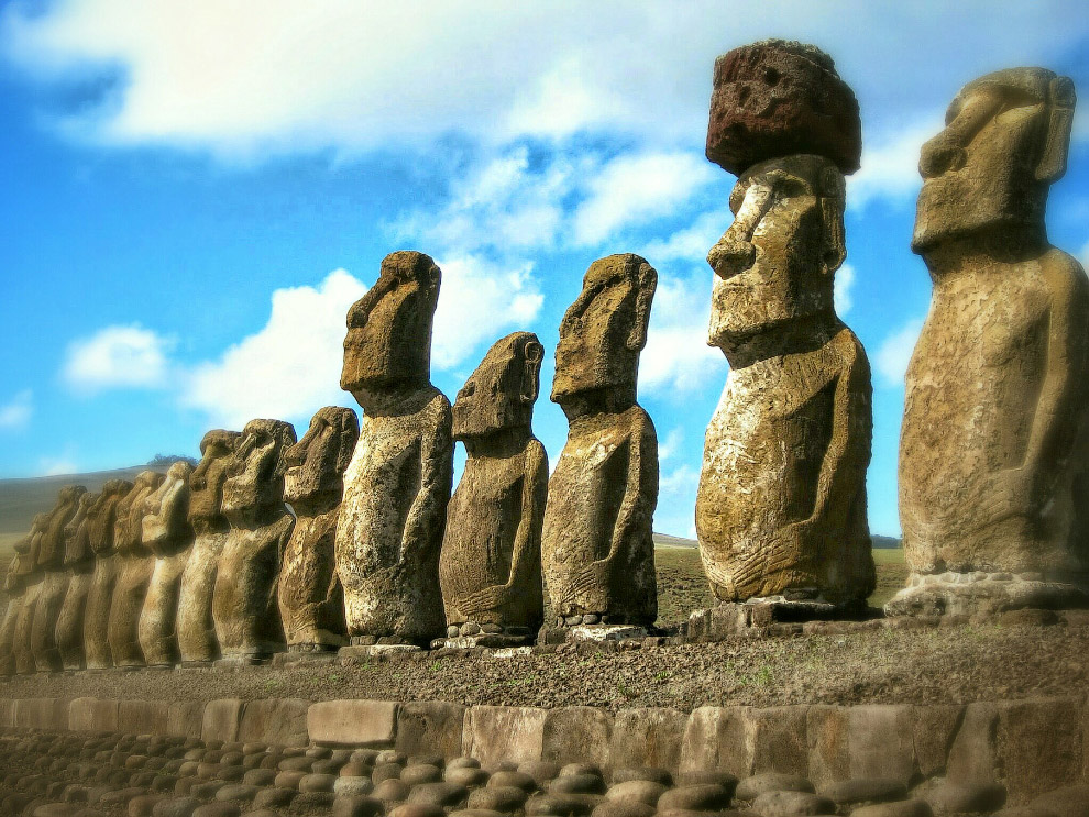 4. Древняя культура острова Пасхи окутана тайной и очарованием. Самый известный символ острова
