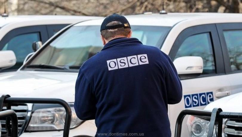 НаДонбассе неизвестный устроил стрельбу возле наблюдателей ОБСЕ