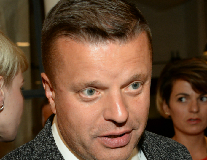 Леонид Парфенов будет вести «Намедни вкараоке» наRTVi
