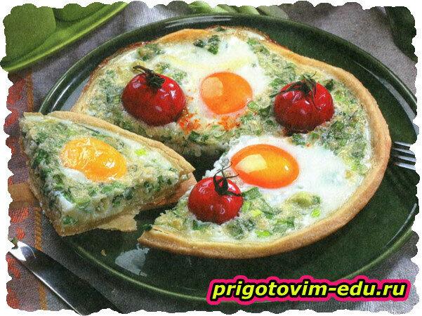 Творожный пирог с луком и яйцом
