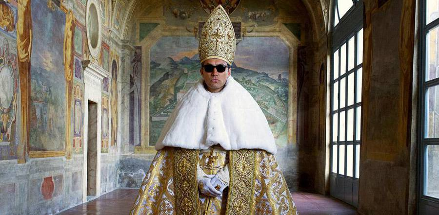 Great Jude Law Pictures from The Young Pope (11 pics)