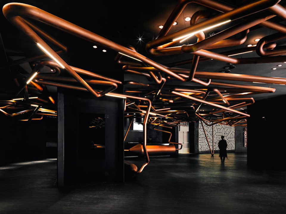 Impressive Copper Pipes in Shanghai Cinema (5 pics)