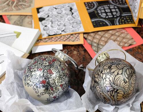 Новогодние шарики, оформленные в стиле Зентангл