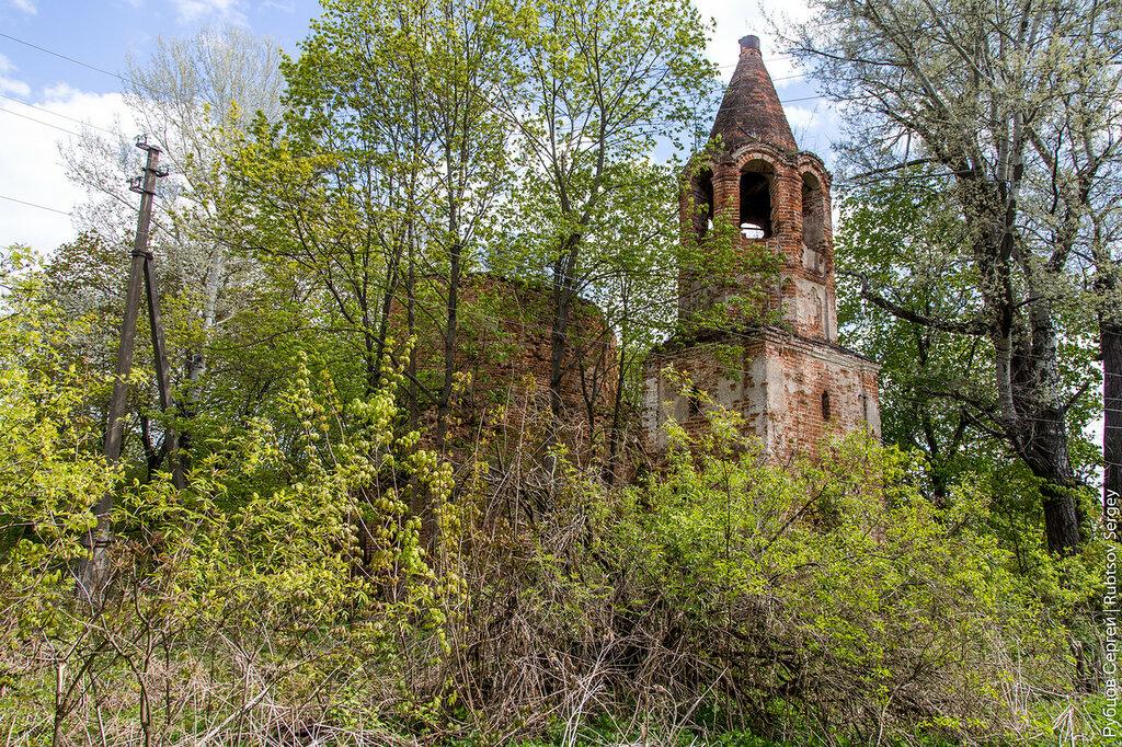 Заброшенный храм в Бушово
