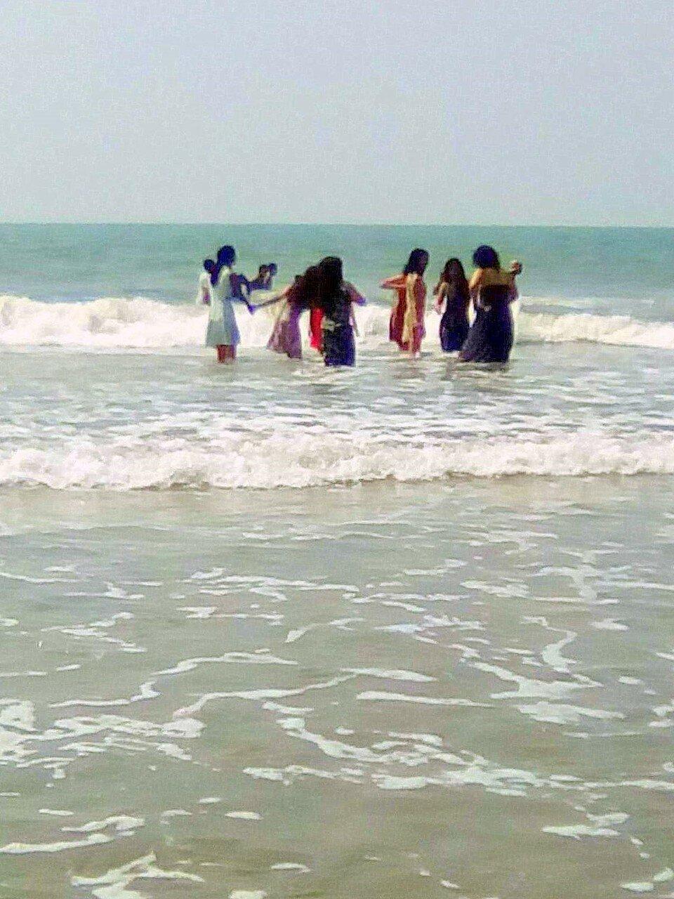 Так купаются местные. Индия. январь 2017. Фотографии В. Лана.jpg
