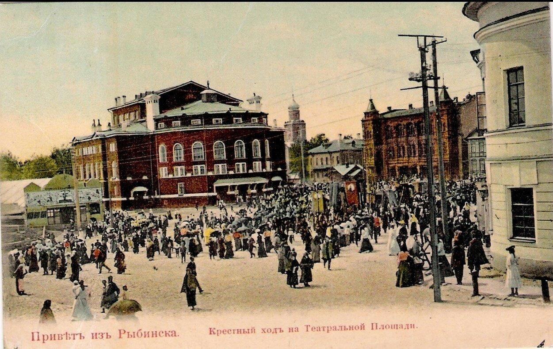 Крестный ход на Театральной площади