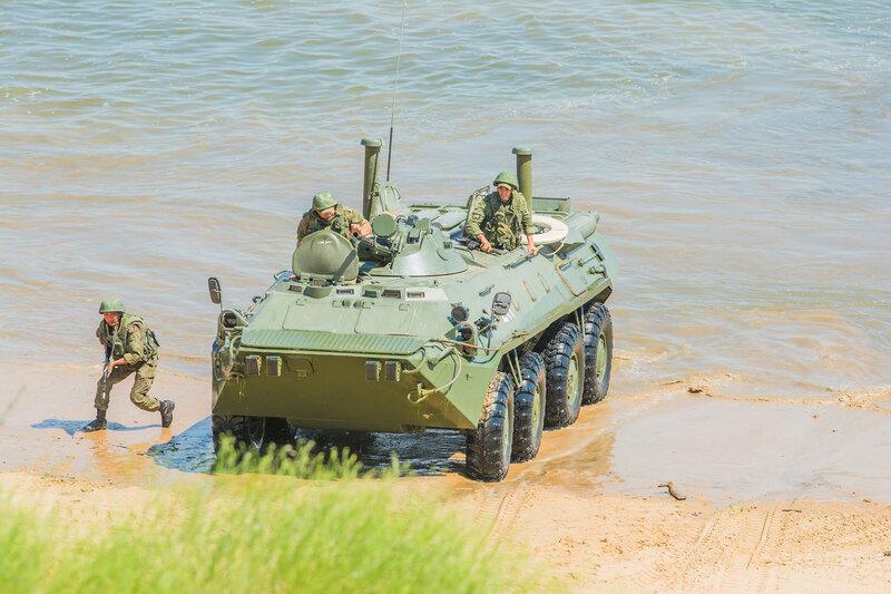 Учения морской пехоты в Астраханской области