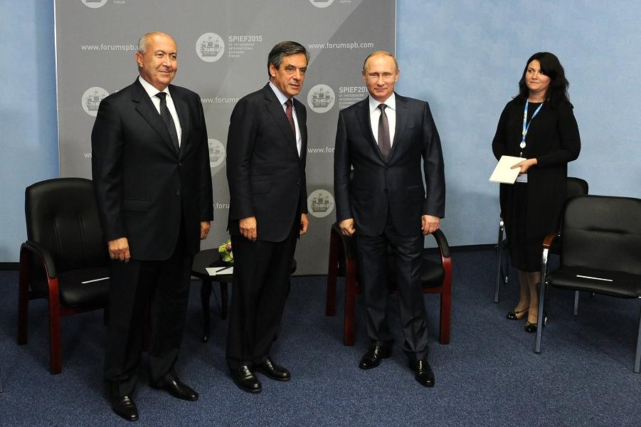 Встреча Путина с Франсуа Фийоном на 19 июня 2015.png