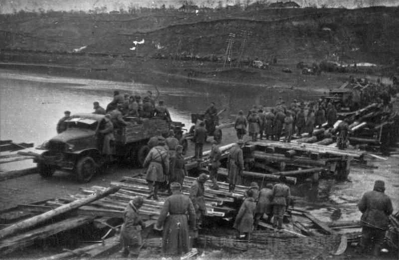 Форсирование Южного Буга (район Старогородского моста) в марте 1944-го