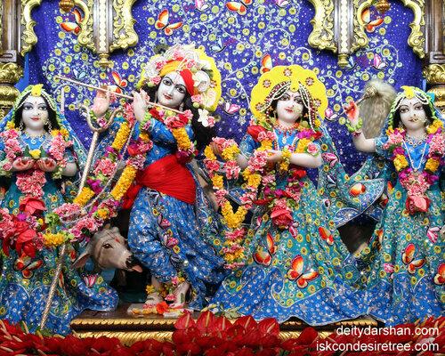 020 Sri Sri Radha-Gopinath  Lalita Vishakha 1280x1024
