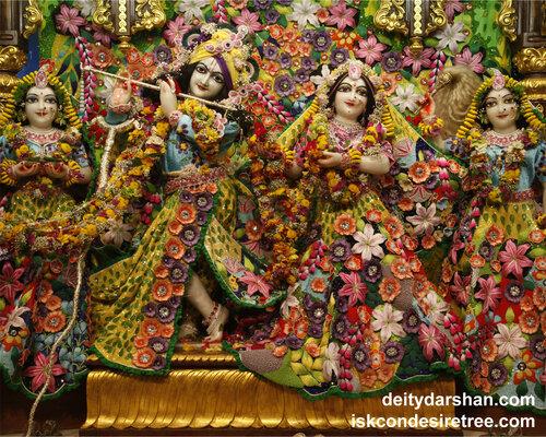 021 Sri Sri Radha-Gopinath  Lalita Vishakha 1280x1024