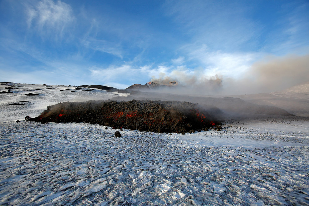 13. Благодаря постоянной активности Этна был выбран Вулканом десятилетия ООН. (Фото Antonio Par